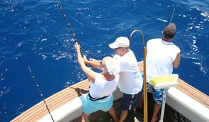 deap-sea-fishing-charters-fighting-fish